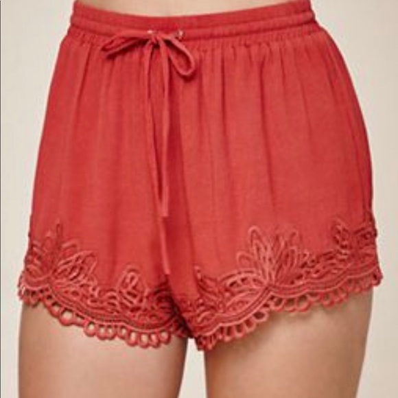 Me to We Pants - ME TO WE rust lace trim short, small